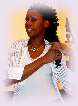 Rhode Makoumbou, peintre/sculpteuse née le 29 août 1976 au Congo-Brazzaville | Photo 5