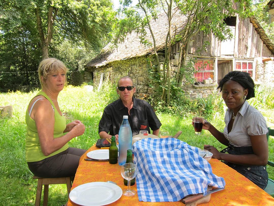 foto s vrienden en persoonlijkheden pagina 18 rhode makoumbou. Black Bedroom Furniture Sets. Home Design Ideas