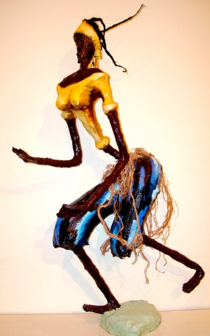 Rhode Makoumbou › Sculpture : «La danseuse du village» (2009)