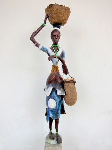 Rhode Makoumbou › Sculpture : «La vendeuse du Pool» (2010) • ID › 256